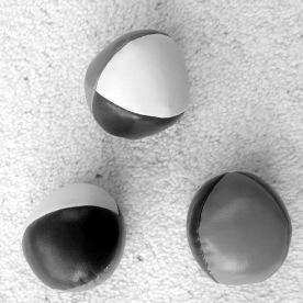Juggling balls (Jonathan Parker)
