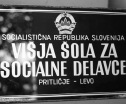 School entrance sign (Vesna Leskosek)